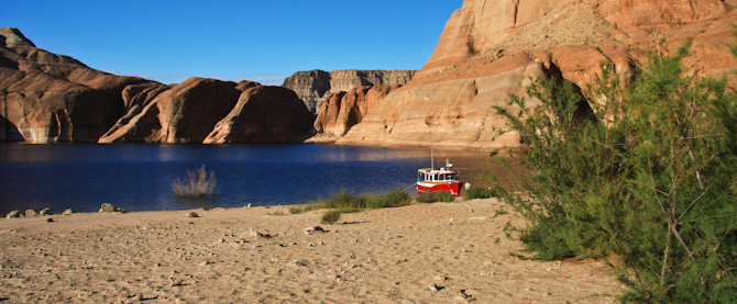 PadreBayCanyonAnchor 200 Beach Anchoring on Lake Powell