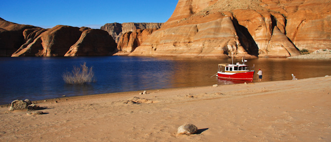 PadreBayCanyonAnchor 217 Beach Anchoring on Lake Powell