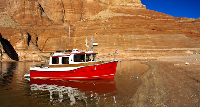 PadreBayCanyonAnchor 2651 Beach Anchoring on Lake Powell
