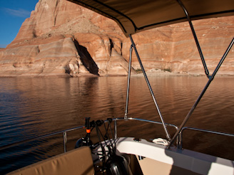 PadreBayCanyonAnchor 52 Beach Anchoring on Lake Powell