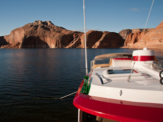 PadreBayCanyonAnchor 60 Beach Anchoring on Lake Powell