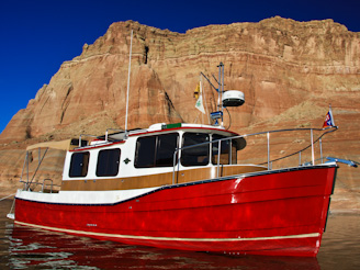 PadreBayCanyonAnchor 80 Beach Anchoring on Lake Powell
