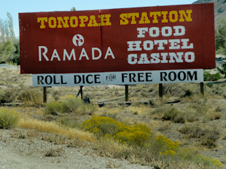 ToLasVegas 36 Skirting Las Vegas