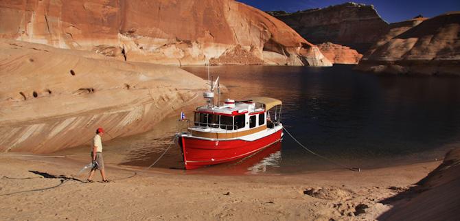 Kismet at anchor in Padre Bay, Lake Powell
